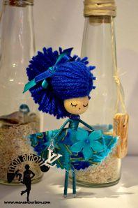broche margarita azul